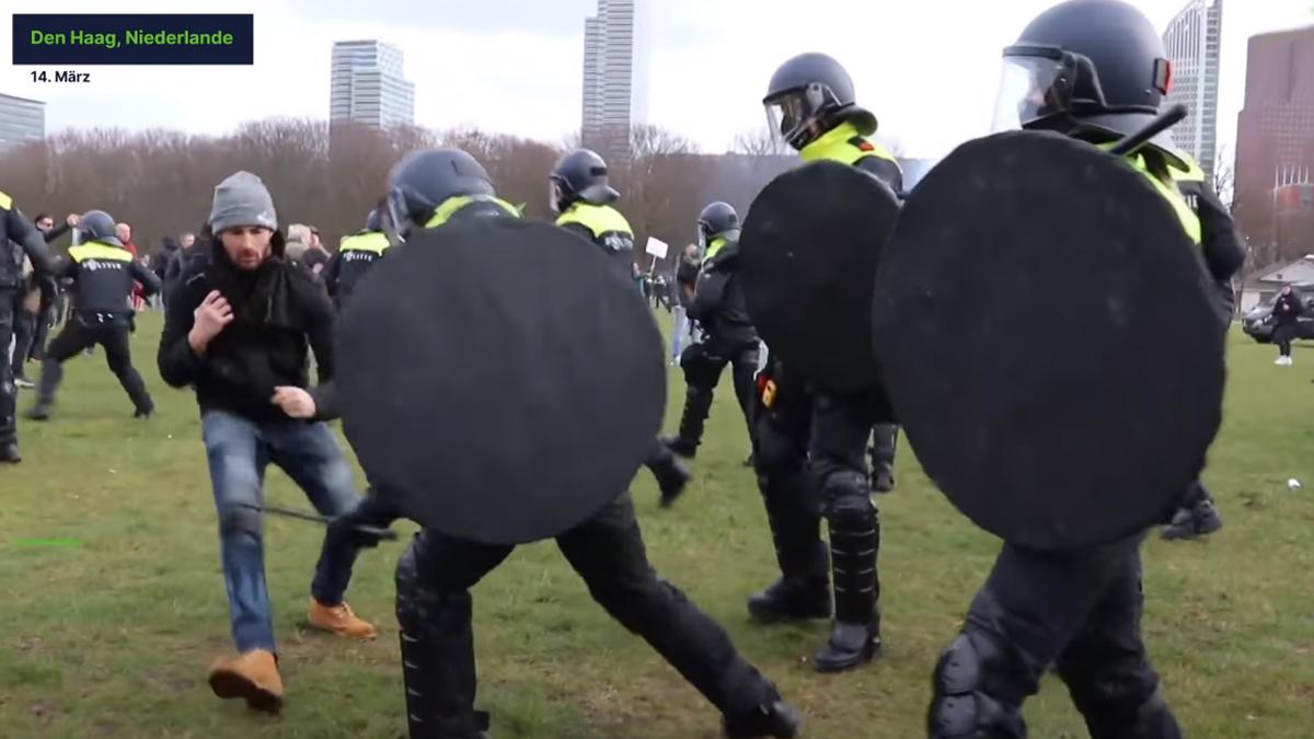 Polizei in Den Haag löste mit massiver Gewalt Demonstration auf; Bild: Screenshot Youtube