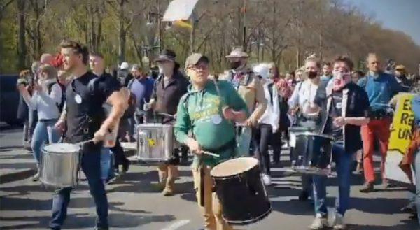 Trotz Versammlungsfreiheit: Berlin verbietet Querdenken-Demonstrationen am Wochenende
